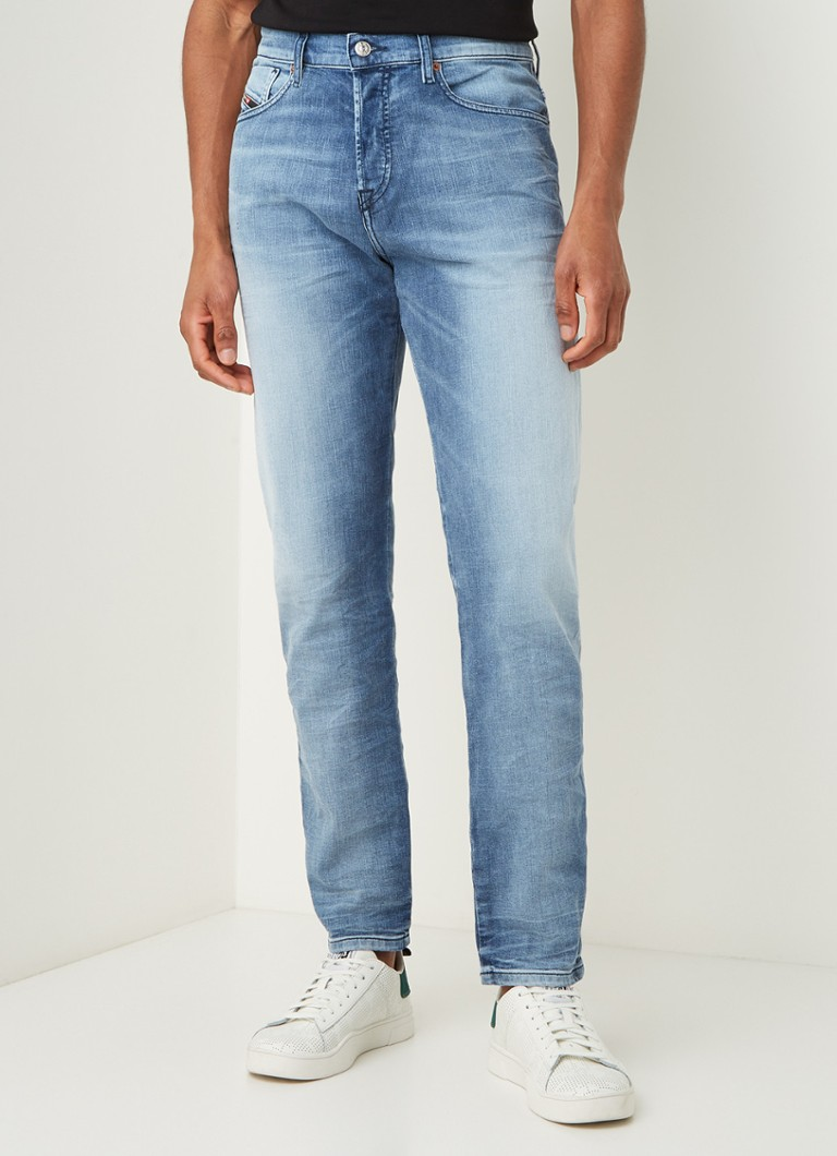 Diesel - D-Finning tapered fit met lichte wassing - Jeans