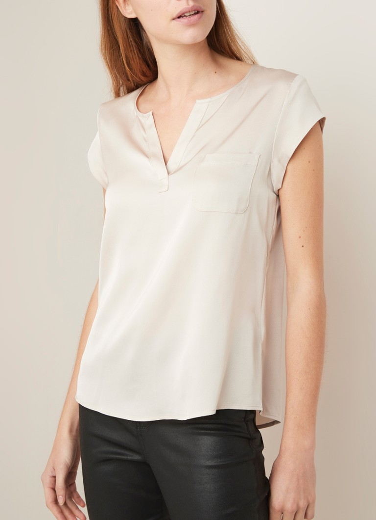Repeat - Top in zijdeblend met borstzak en V-hals - Beige