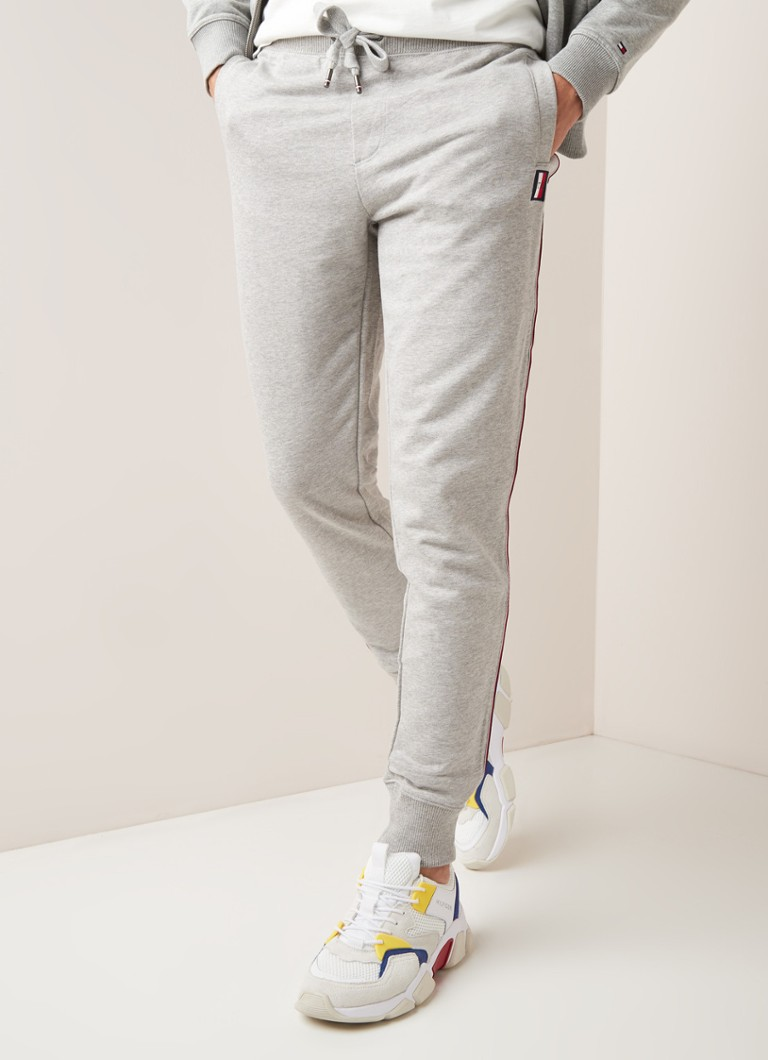 Tommy Hilfiger - Global tapered fit joggingbroek met gestreepte bies - Lichtgrijs